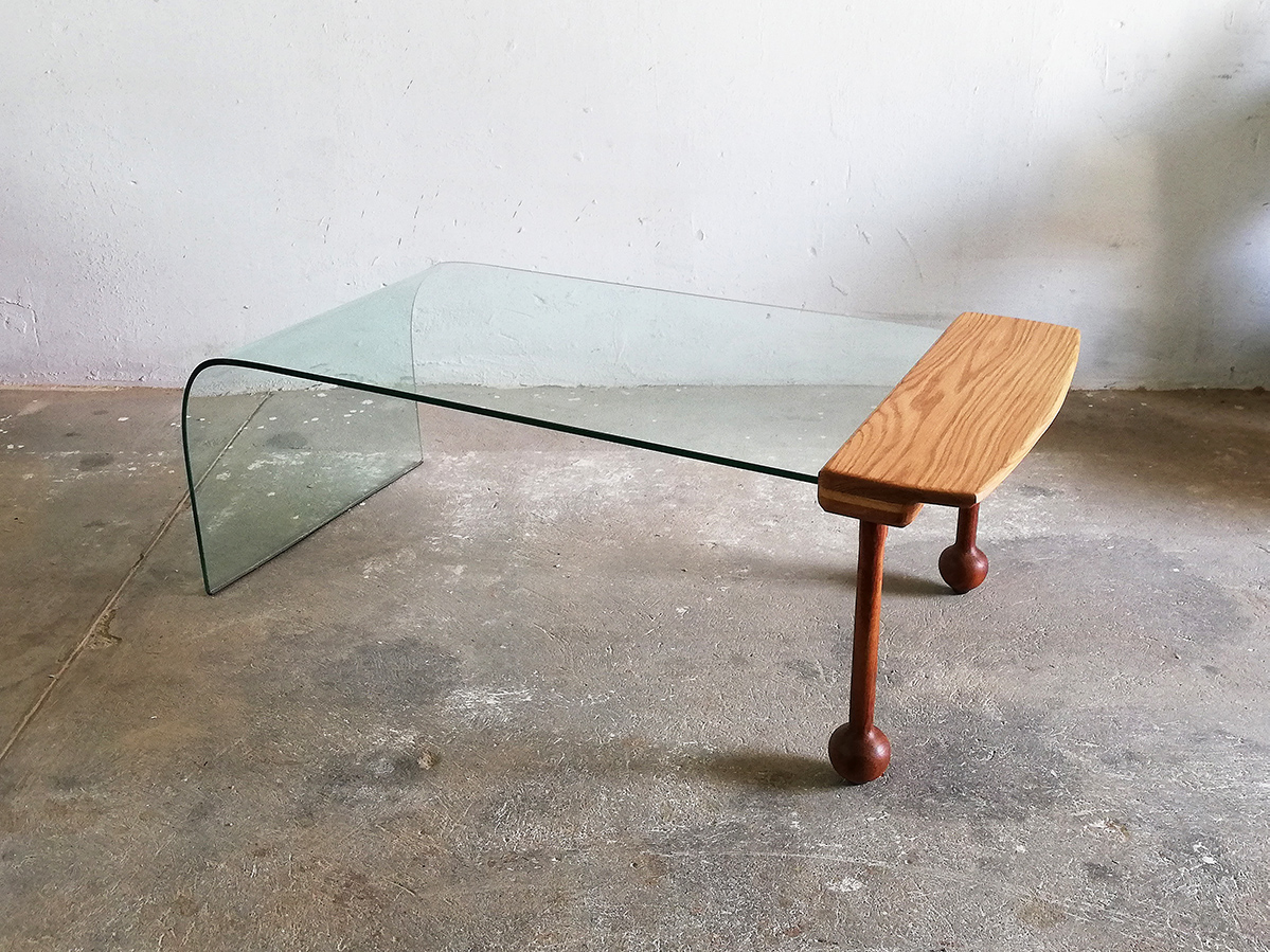 understanding interior-glass table